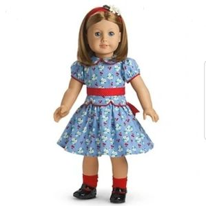 American girl Emily meet outfit